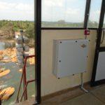 Casos de éxito: cómo nuestra estrategia innovadora de transporte contribuyó a generar ahorro para un proyecto de sirenas electrónicas en Sri Lanka