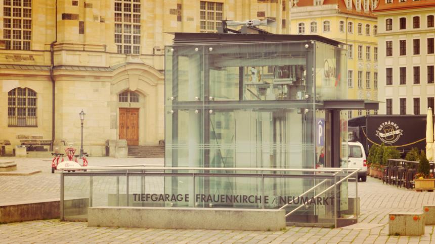 La 204ª sirena en marcha en el corazón del casco viejo de Dresde como parte del Sistema de Alerta Municipal