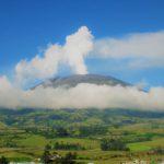 Instalación de un sistema de alerta por parte de las comunidades de Florida en Colombia debido a una posible erupción del volcán Galeras