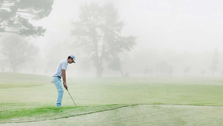¿Cuál es el papel de las sirenas en los campos de golf?