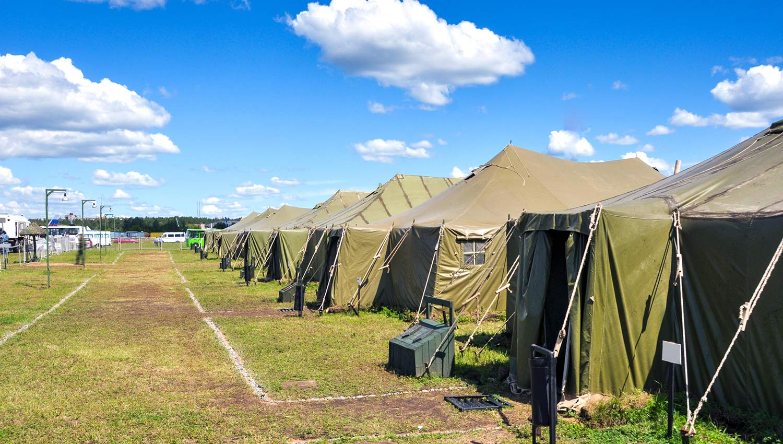 Sistemas de alerta y megafonía en campos militares